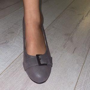 Grey wedges women's 7.5US textured vegan leather